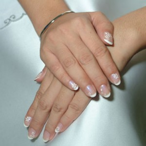 beautiful-white-wedding-nails-designs-ideas-31350